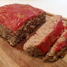 32 Ideas meat loaf recipes easy beef paula deen for 2019 Basic Meatloaf Recipe, Meat Loaf Recipe Easy, Meatloaf Recipe Paula Deen, Mini Meatloaf Recipes, Homemade Meatloaf, Easy Meatloaf, Old Fashioned Meatloaf, Meatloaf Ingredients, Cheese