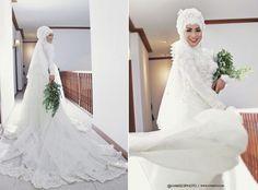 Indonesian Moslem Bride #bridegown #bridedresses #moslembride #muslimbride #hijabbride #hijabweddingdress