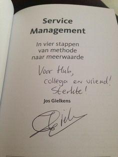 """Leuk bericht van lezer Hub over het boek 'Service Management' van Jos Gielkens: """"Trotse eigenaar van een aanrader. De weg van IT-gericht naar servicegericht. Compliment Jos Gielkens"""". ##servicemanagement #josgielkens #futurouitgevers"""