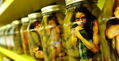 Η κόκκινη κούκλα της Μαρίας και τα «προβληματικά» παιδιά