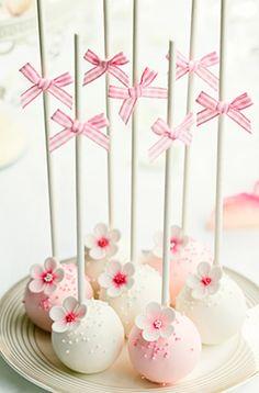 Pink & white flower cakepops.....cake ....good....flowers...good...all makes me happy
