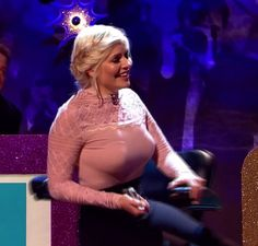 Holly Walsh, Holly Willoughby Legs, Tv Girls, Sexy Blouse, Gorgeous Blonde, Girls Selfies, Tv Presenters, Celebs, Celebrities