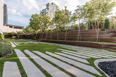 Project type: Residential Archtects: A49 Architects Ltd. / TROP Landscape Ltd. Client: Visavapat Location: 788 Rama 4 Si Phraya, Bang Rak, Bangkok 10500 Project Year: 2016  Photographs: Poompat Waratkiachthana