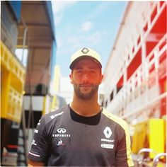 Ricciardo F1, Daniel Ricciardo, Thing 1, Red Bull Racing, F1 Drivers, Formula One, I Got This, My Eyes, Captain Hat