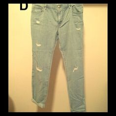 24 HOUR SALE!!! LOFT Relaxed Skinny Jeans Size 28/6p- Ann Taylor Loft relaxed skinny jeans. Light blue. (note: lightweight thin jean material). I would get this if you normally wear an 8 because they are already relaxed fit but as you wear them over the day they get looser. LOFT Jeans Skinny
