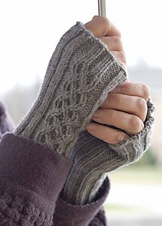 Ravelry: Sidetracked Cable pattern by Kelene Kinnersly