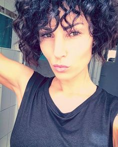 C U R L Y 🌼 #selfie #curlyhair #curls #shorthair #allblack #beauty #fit #fitfam #fitness #fitnessmotivation #style #fashion #love #like #like4like #followme #gym #girl #female #gymlife #gymlove #instagood #instadaily #instafit #naturalbeauty #goodlife #goodvibes #happy #potd Natural Beauty from BEAUT.E