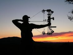 Hunting Photo Contest 2012 Season Poses For Pictures, Picture Poses, Family Pictures, Picture Ideas, Photo Ideas, Senior Boys, Senior Year, Senior Session, Senior Pictures