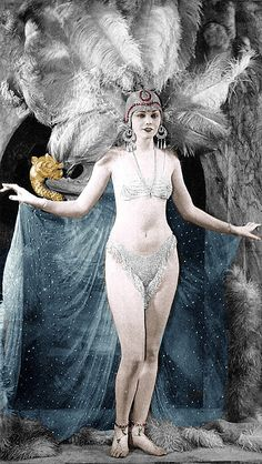 showgirl in a sideshow performance- so much like the ziegfield follies <3