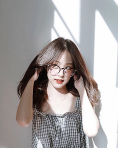 [PLEASE DON'T BE SILENT READERS] in emosi in badboy in modus in sekolahan in ceritabaru ~Ketika terlalu sering mempermainakan sampai lupa mana y. Mode Ulzzang, Ulzzang Korean Girl, Cute Korean Girl, Ulzzang Fashion, Korean Fashion, Girls Tumblrs, Asian Woman, Asian Girl, Tmblr Girl