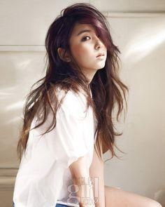 Shows Their Everyday Image in New Photoshoot Girl Photo Shoots, Girl Photos, Korean Girl, Asian Girl, Kim Hyuna, Girl Korea, Girls Magazine, Korean Celebrities, Korean Actors