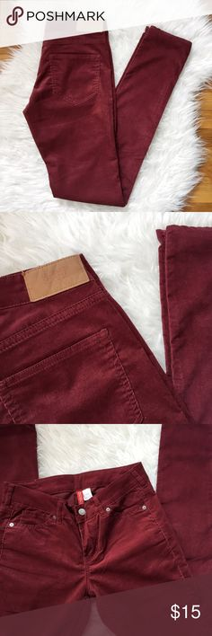 H&M maroon corduroy skinny pants Brand new skinny cords in a deep red, maroon color. Fits like a 25. Will update with measurements! H&M Pants Skinny
