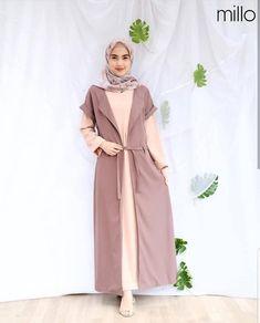 F - Emalia Maxi Milo Harg Hijab Style Dress, Casual Hijab Outfit, Cardigan Outfits, Dress Outfits, Casual Outfits, Hijab Fashion, Fashion Dresses, Poncho, Tunic