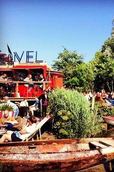 Super bio bij Café de Ceuvel in Amsterdam Noord barefootstyling.com
