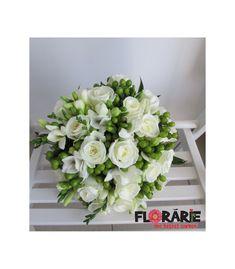 Buchet de mireasa compus din 15 trandafiri akito, 10 frezii albe si 5 hypericum verde. Un buchet contemporan pentru o mireasa moderna! Floral Wreath, Wreaths, Modern, Flowers, Wedding, Home Decor, Green, Valentines Day Weddings, Floral Crown