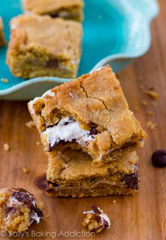 Easy S'more Cookie Bars - such an easy variation of a s'more.  Graham cracker cookie layer with marshmallow creme and chocolate chips.  Irresistible!