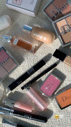 Dior Makeup, Skin Makeup, Makeup Cosmetics, Beauty Make Up, Beauty Care, Beauty Skin, Makeup Makeover, Foto Baby, Applis Photo