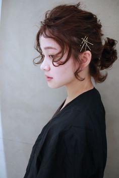 Kawaii Hairstyles, Vintage Hairstyles, Up Hairstyles, Wedding Hairstyles, Pin Up Hair, Hair Pins, Rockabilly Hair Tutorials, Short Hair Up, High Bun Hair