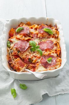 Pastaschotel met salami – Food And Drink Salami Recipes, Pasta Recipes, Dinner Recipes, Healthy Recipes, Good Food, Yummy Food, Tasty, Low Carb Brasil, Fermented Cabbage