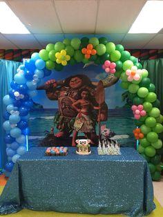 Moana Balloon Arch Moana Themed Party, Moana Birthday Party, Moana Party, 6th Birthday Parties, Birthday Balloons, Birthday Party Decorations, 2nd Birthday, Moana Halloween Costume, Luau Baby Showers