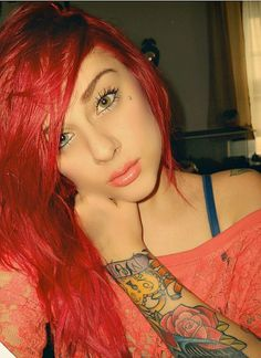 i wish i could pull of this type of hair... unfortunetly i cant:(