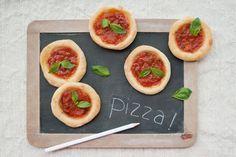 Pizzette pronte in 5 minuti con lievito istantaneo