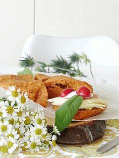 Auf der Mammilade n-Seite des Lebens: 12   Einblicke in unseren sonnigen Donnerstag [12von12] & ein Biskuit-Brot mit Tomaten und Kräutern