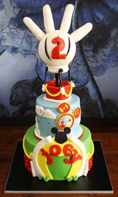 Mickey Mouse Clubhouse Cake Love it! Bolo Do Mickey Mouse, Mickey And Minnie Cake, Bolo Minnie, Mickey Mouse Clubhouse Birthday Party, Mickey Cakes, Minnie Mouse Cake, Disney Mickey, 2 Birthday Cake, Birthday Ideas
