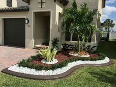 40 Stunning Rock Garden Design Ideas for Front Yard and Backyard Landscaping Around Trees, Small Front Yard Landscaping, Mulch Landscaping, Tropical Landscaping, Landscaping With Rocks, Landscaping Ideas, Patio Ideas, Mailbox Landscaping, Tropical Garden