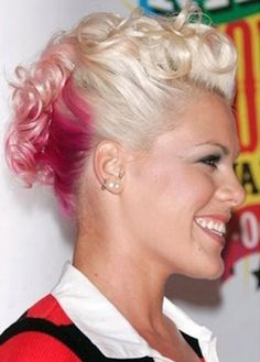 1000 Ideas About Singer Pink Hairstyles On Pinterest