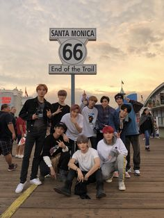 Find images and videos about kpop, nct and mark on We Heart It - the app to get lost in what you love. Lucas Nct, Winwin, J Pop, Nct Yuta, Lee Taeyong, Capitol Records, Mark Lee, Kpop Wallpapers, Team Pictures