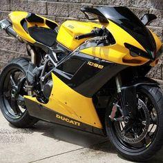 Ducati 1098  #Ducati1098  #Ducati  #BlackAndYellow  #Motorcycles  #Kamisco