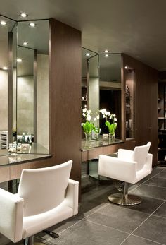 """Cute place to do hair in a """"at home salon"""" love how chic this looks"""
