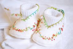 A Feathered Nest: Baby Booties Masterpiece