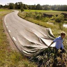 Photoshop ninja Erik Johansson creates realistic photos of impossible scenes.This photo is a composite of two images: the first of a road and the second of Johansson dragging a tarp through tall grass. Creative Photos, Cool Photos, Transformers, Surreal Photos, Surreal Art, Surrealism Photography, Drawing Faces, Optical Illusions, Art Optical