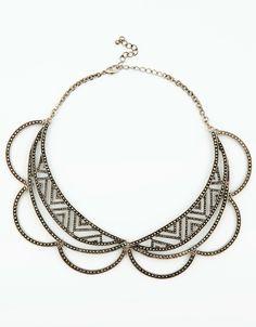 Amo mi collar... Se me ve increíble... Levanta un outfit sencillo.  Necklace