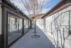 Courtyard for Yamaguchi Sake Brewery / CASE-REAL