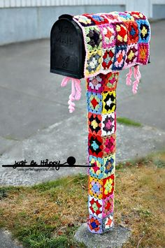 "Just be happy!: ""Mailbox Yarn Bombing""."