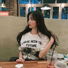 A very beautiful Asian girl. Korean Girl Ulzzang, Ulzzang Girl Fashion, Cute Korean Girl, Ulzzang Hair, Korean Beauty, Asian Beauty, Pretty Girls, Cute Girls, Moda Ulzzang
