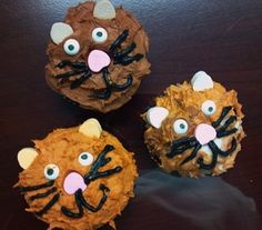 Kitten cupcakes from last week's birthday party held at the shop