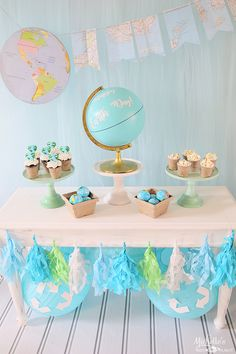 Celebrate Earth Day with a simple Earth Day Party table. Easy Earth themed decor & snacks are the perfect way to remind the kids to take care of our planet! Birthday Party Tables, Birthday Party Decorations, Party Themes, Ideas Party, Party Plan, Sunshine Baby Showers, Travel Party, Baby Girl Birthday, Earth Day