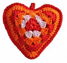 Gehaakt hart voor Moederdag. Gratis download van het patroon