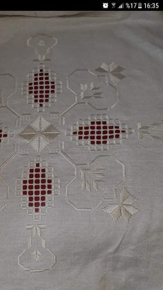 Bargello, Needlepoint, Linens, Needlework, Cross Stitch, Jewelry Making, Rugs, Embroidery Stitches, Hardanger Embroidery