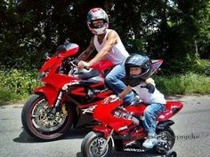 Can't wait to have kids so I can do this so they can have a bike just like daddy's! Hubby thinks this is singlehandedly the best pin that I have Pocket Bike, Motorcycle Baby, Motorcycle Design, Mini Bike, Biker Chick, Biker Girl, Valentino Rossi, Kid N Teenagers, Kids