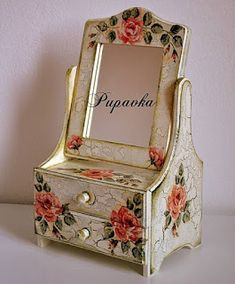 Discover thousands of images about Vintage decoupage box Decoupage Vintage, Decoupage Box, Decoupage Furniture, Painted Furniture, Wooden Crafts, Diy And Crafts, Painted Wooden Boxes, Altered Boxes, Jewellery Boxes
