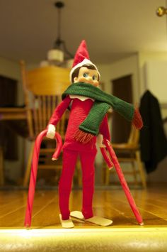 omg. this is HILARIOUS. elf on the shelf gone wild! Skiing elf on the shelf and more! #ElfOnTheShelf #skiing #funny