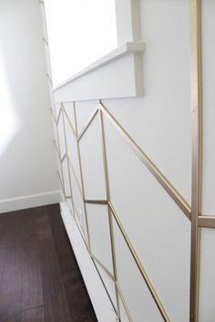 39 Ideas bath room wallpaper accent wall grey beds for 2019 Accent Walls In Living Room, Accent Wall Bedroom, Living Room Decor, Living Rooms, Apartment Living, Apartment Entryway, Accent Wall Panels, Accent Wall Decor, Wall Trim