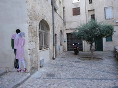 PDA (via pink + blue, by Claire Streetart)