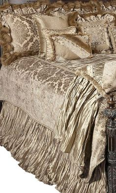 Valentine's Day Gifts from Reilly-Chance Collection Luxury Bedding ~ gift cards available! #reillychance #valentine'sday