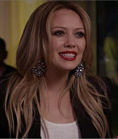 "cute haircut, blonde hair, hilary duff starring in ""beauty and the briefcase"""